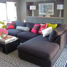 like the dark colors and color popping pillows