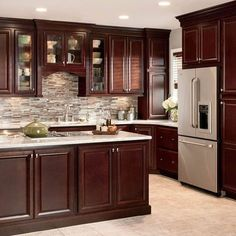 Exceptional Ideas of The Cherry Kitchen Cabinets in Modern Kitchen Cherry Wood Kitchen Cabinets, Cherry Wood Kitchens, Backsplash With Dark Cabinets, Kitchen Cabinet Design, Dark Counters, Kitchen Countertops, Oak Cabinets, Kitchen Tile, Kitchens With Dark Cabinets