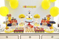 O Henrique comemorou seus 2 aninhos com uma festa muito divertida! A decoração criada pela Invento Festa foi inspirada no universo do Menino Maluquinho e c