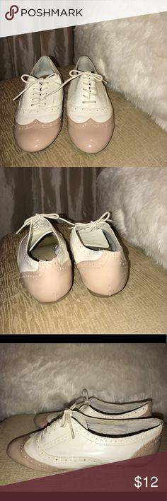 Aldo shoes Vintage Aldo shoes lace up flats/sneakers Aldo Shoes Flats & Loafers