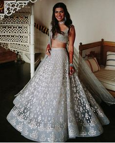 Want to flaunt your traditional looks? Check out these trending but traditional Gota Patti Lehenga Designs for Weddings. Indian Bridal Outfits, Indian Designer Outfits, Indian Dresses, Pakistani Dresses, Indian Party Wear, Indian Lehenga, Red Lehenga, Anarkali, Party Wear Lehenga
