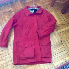 🎉 HP 🎉Eddie Bauer Hooded Winter Jacket 🎉Host Pick Best in Sweaters, Jackets & Coats🎉 Cold weather comfort. Hood can be zipped off. Jacket is water resistant and in excellent condition. Color: red. Can be worn in temps ranging from mid 50s to mid 20s. If you have questions, please ask! Eddie Bauer Jackets & Coats