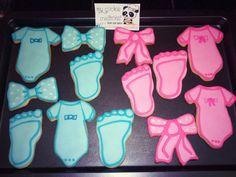2 doz entregadas el domingo!!! No son gemelos!!! Es para la fiesta de saber el sexo del bebé!!! #boyorgirl #mycookiecreations ❤☺ #babyshower #babyshowercookies #boyorgirlcookies #cookies