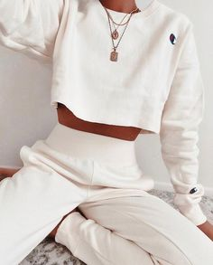 jordyn woods red table talk I want cute clothes . Cute Lazy Outfits, Chill Outfits, Teenage Outfits, Sporty Outfits, Mode Outfits, Stylish Outfits, Winter Fashion Outfits, Look Fashion, Summer Outfits