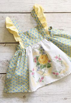 Sweet Handmade Linen & Cotton Baby Toddler Dress With Vintage Embroidery Embroidery Fashion, Vintage Embroidery, Embroidery Dress, Embroidery Stitches, Embroidery Patterns, Hand Embroidery, Toddler Dress Patterns, Kind Mode, Clothing Patterns