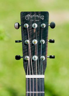 Unique tuning pegs for pairing a 9 string guitar with upper 3 strings (G, B & E) as octave, and unison sets.