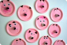 Paper plate pigs