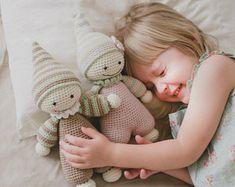 PATTERN - Cuddly-baby - crochet amigurumi pattern, PDF (English, Dutch, Danish)