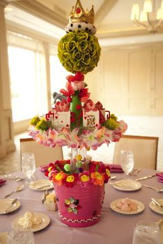 Alice or Wonderland centerpiece! #aliceinwonderland #party #birthday #centerpiece