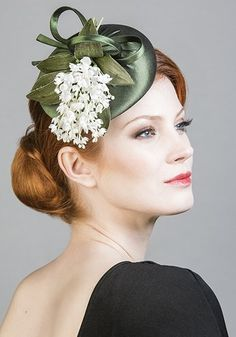 R1675 - Green silk taffeta pillbox with lily of the valley