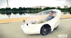 A new hybrid bike, the GinzVelo, has launched a Kickstarter campaign to build a recumbent tricycle that can travel up to 100 miles on a single charge. Electric Tricycle, Electric Cars, Electric Vehicle, Electric Power, Mongoose Mountain Bike, Sustainable Transport, Sustainable Design, E Mobility, Reverse Trike