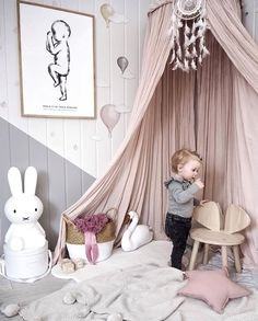 Love this beautiful kid's play corner ♡