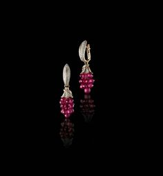 Farah Khan for Tanishq ruby earrings with diamonds set in yellow gold. Ruby Earrings, Small Earrings, Diamond Earrings, Diamond Jewellery, Bridal Jewelry, Gold Jewelry, Tanishq Jewellery, Gold Earrings Designs, Ring Designs