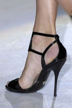 Gucci Spring 2008 black patent heels