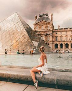 Visit Louvre museum in Paris. Paris IG photo inspiration, Paris photography, Paris Louvre museum, things to do in Paris @ 𝗁 𝖾 𝗇 𝗋 𝗂 𝗄 𝖾 𝗄 𝗋 𝖺 𝗆 𝖾 𝗋 Paris Pictures, Paris Photos, Travel Pictures, Travel Photos, Europe Photos, France Photos, Paris Photography, Travel Photography, Indoor Photography