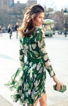Street Style in Weiß und Smaragd (Farbpassnummer 32) Kerstin Tomancok / Farb-, Typ-, Stil & Imageberatung