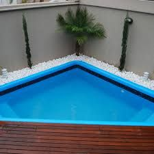 Pool-in-Space-Small-Designs - area externa - Small Swimming Pools, Small Pools, Swimming Pools Backyard, Swimming Pool Designs, Backyard Landscaping, Pool House Designs, Backyard Pool Designs, Small Backyard Pools, Backyard Patio