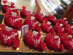 Ζαχαροπλαστείο Μελίνα Cherry, Christmas Ornaments, Fruit, Holiday Decor, Food, Xmas Ornaments, Christmas Jewelry, Essen, Christmas Ornament