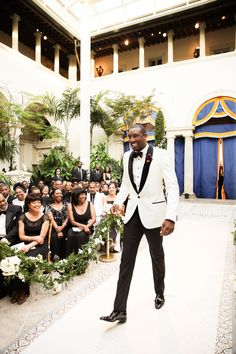 New York Knicks superstar forward Amar'e Stourdemire and his longtime love Alexis Welch celebrated their union with an unforgettable dream wedding in Miami, Florida. Get an exclusive first look at their fabulous photos! Wedding Groom, Wedding Suits, Wedding Attire, Wedding Dresses, Wedding Bouquets, Wedding Flowers, White Tuxedo Wedding, Black And White Tuxedo, Gq