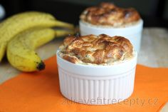 You'll definitely find favor with this delicate healthy banana cinnamon soufflé made out of just 3 ingredients. It is a great, easy low calorie and healthy dessert without added. Healthy Treats, Healthy Desserts, Easy Desserts, Healthy Recipes, Quick Dessert Recipes, Sugar Free Desserts, Desserts Sains, Protein Packed Snacks, High Protein Low Carb