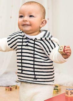 Dette flotte settet med rillestrikket bukse og genser i glattstrikk med striper har et litt maritimt preg over seg i den valgte fargekombinasjonen. Du kan selvsagt strikke dette settet i akkurat de fargene du syns passer til den babyen du skal strikke til.