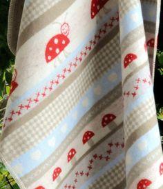 Babydecken Besteller aus Baumwoll Flanell mit Fliegenpilz & Marienkäfer, beige / rot, von David Fussenegger