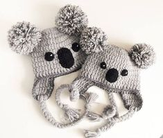 Koala Hat Crochet hat Kids Outfit Baby Hat Women Hat Cute Kids Hat Earflap Hat Pom Pom Hat Winter Outfit Hat with Braids Teens hat 2019 Koala-Hut gehäkelte Mütze Kinder Outfit Babymütze Frauen Bonnet Crochet, Crochet Cap, Crochet Beanie, Crochet Braids, Crochet Kids Hats, Crochet Animals, Knitted Hats, Pinterest Crochet, Baby Hut