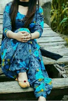 Online shopping from a great selection at Clothing & Accessories Store. Patiala Suit Designs, Kurti Designs Party Wear, Kurta Designs, Churidhar Designs, Dress Designs, Blouse Designs, Punjabi Dress Design, Designer Punjabi Suits, Indian Designer Wear
