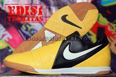 Nike CTR 360 Hitam Kuning Impor Italy, Harga:270.000, Kode:CTR 360 Hitam Kuning Impor Italy, Cara pesan:Ketik: Pesan # Nama Lengkap # Alamat Lengkap # Kode Produk # Ukuran # jumlah # No. HP, Hub: SMS/BBM ke:8985065451/75DE12D7, Cek stok: http://kiossepatufutsal.com/nike-ctr-360-hitam-kuning-impor-italy