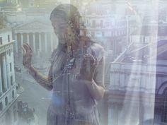 (Double Exposure Portraits by Julia Fullerton-Batten – Fubiz™から) 多重露光写真好き。 これは意図的な多重露光っていうより、 自然とガラスに映り込んだっぽい感じなのかな? 空気感が絶妙で、どうやって撮影したのかなど興味ある。