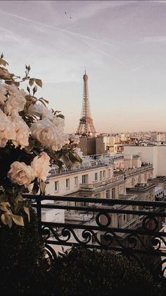 Please follow me🙏🌺 Paris Wallpaper, City Wallpaper, Wallpaper Desktop, Europe Wallpaper, Pastel Wallpaper, Wallpaper Backgrounds, Disney Wallpaper, Iphone Backgrounds, Wallpaper Quotes