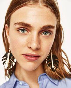 Image 4 of LEAVES EARRINGS from Zara