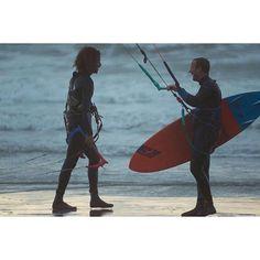 From samuelmichaille#friends #session #kitesurf #kitesurfing #kitesurfer #ride #happy #weekend #wind #sea #waves #surf #surfing #surfer #normandie #lehavre @chipslh @takoonfamily #kitesurfing #kiteboarding #kitesurf #kiteboard