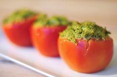Gevulde tomaten met broccoli puree
