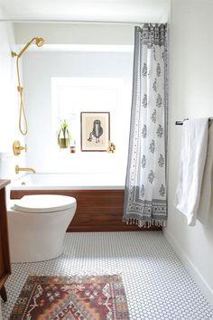 Perfect 50 Small Bathroom Design Ideas – image 19 The post 50 Small Bathroom Design Ideas – image 19… appeared first on 99 Decor .