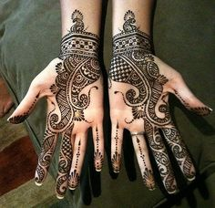 Mehndi is a tradition! Celebrations are incomplete without the color and fragrance of mehndi. Here are Aarabic, Indian, Rajahstani style of mehndi designs. Henna Hand Designs, Arabic Mehndi Designs, Latest Mehndi Designs, Beautiful Henna Designs, Simple Mehndi Designs, Mehndi Designs For Hands, Henna Tattoo Designs, Mehendi Simple, Simple Henna