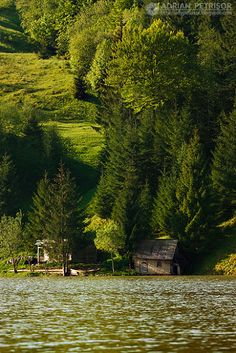 Lacul Colibita, Bistrita Nasaud, Romania (by Adrian Petrisor)