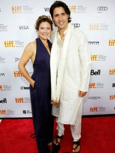 Sophie Trudeau Stands by Kate Middleton, but Her Style's Way More Daring Sophie and Justin Have Red Carpet Coordination Down Pat Justin Trudeau, Barack Obama, Celebrity Red Carpet, Celebrity Style, Beautiful Couple, Beautiful Men, Sophie Gregoire Trudeau, The Twits, Canada