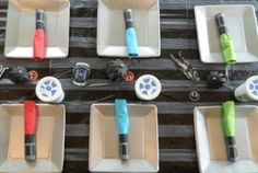 DIY Tutorial - How to Make Lightsaber Napkin Wraps for your Star Wars Party