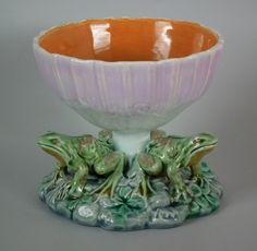 Minton Majolica frog and mushroom sweetmeat bowl