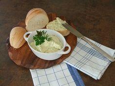Kräuterbutter, ein sehr schönes Rezept aus der Kategorie Vegetarisch. Bewertungen: 324. Durchschnitt: Ø 4,6.