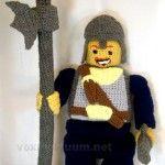 Crochet Lego, Crochet Yarn, Lego Figures, Unique Crochet, Madness, Winter Hats, Crochet Patterns, Board, Party