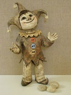 Ceramic Decor, Ceramic Art, Sculpture, Home Decor Furniture, Paper Mache, Art Dolls, Projects To Try, Clowns, Teddy Bear