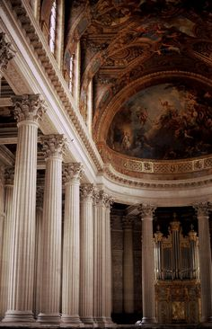 The lair of a Baroque vamp Baroque Architecture, Beautiful Architecture, Classical Architecture, Ancient Architecture, Gold Aesthetic, Travel Aesthetic, Princess Aesthetic, Versailles, Aesthetic Pictures