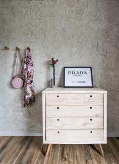 Débora Alcântara, do Tudo Orna, contratou o Studio Boscardin.Corsi para comandar a reforma do apartamento, que ficou supercharmoso