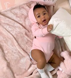 Xnxvra mixed baby belles femmes noires baby beautiful black mixed w baby beautiful belles black femmes So Cute Baby, Cute Mixed Babies, Cute Black Babies, Black Baby Girls, Beautiful Black Babies, Baby Kind, Pretty Baby, Little Babies, Cute Kids