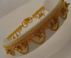 New Jewerly Gold Indian Design Jewels 18 Ideas Gold Anklet, Anklets, Pakistani Jewelry, Indian Jewelry, Bridal Jewelry, Gold Jewelry, Diamond Jewellery, Jewellery Diy, Temple Jewellery