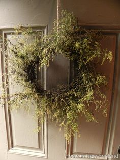 annie wreath - how is your Sweet Annie doing this year? Diy Wreath, Door Wreaths, Grapevine Wreath, Primitive Wreath, Sweet Annie, Fall Shows, Harvest Season, Garden Art, Herb Garden