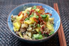 Asian Cauliflower Fried Rice... I made this last night and it was awesome!  Even Dave ate it!!! | Nom Nom Paleo