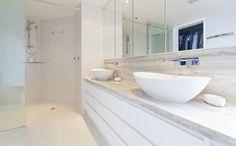 badkamermeubel op maat in natuursteen